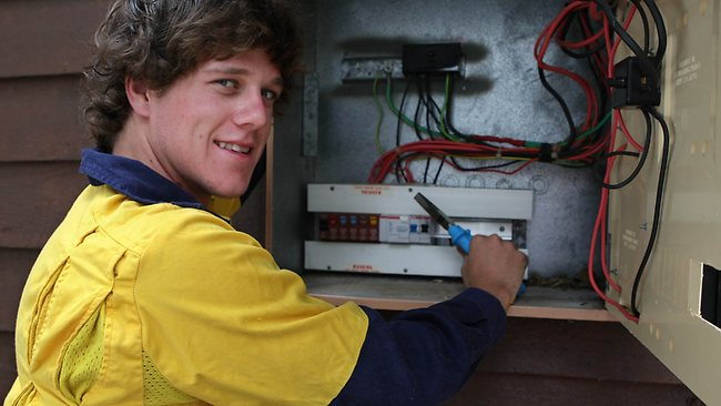 ASI-Electrics-new-apprentices